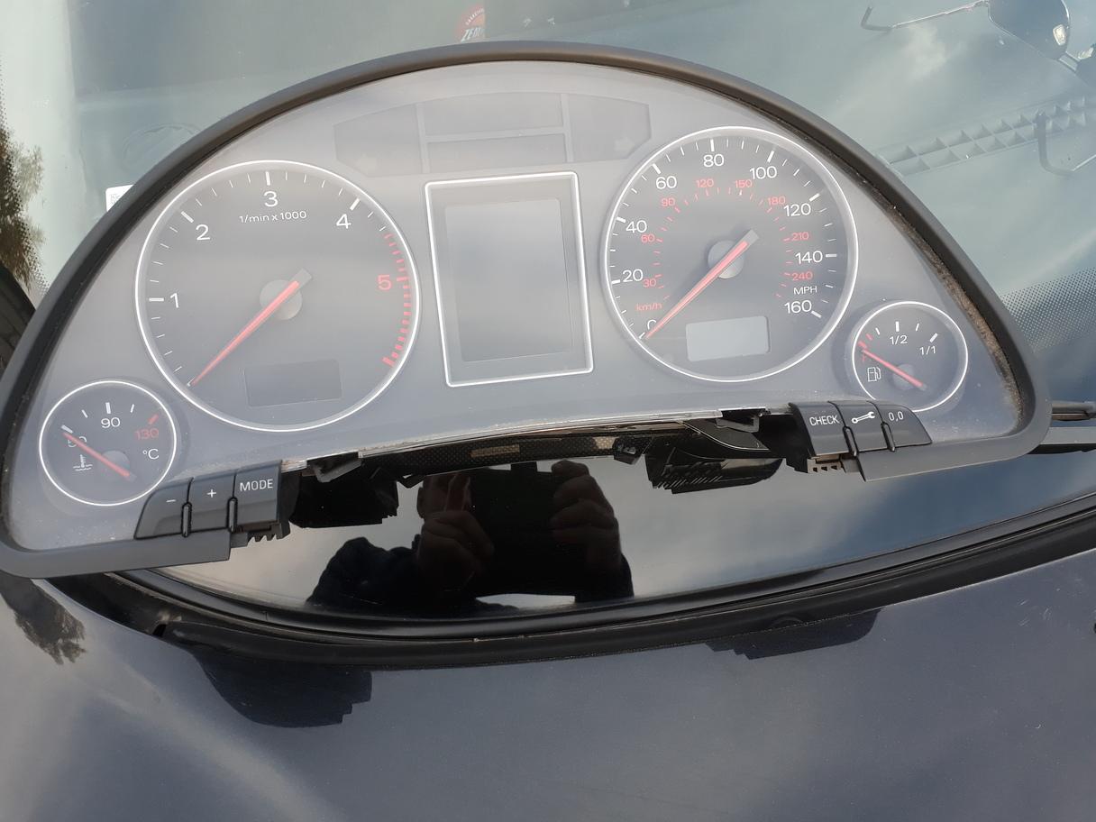 AudiA4-speedo.jpg